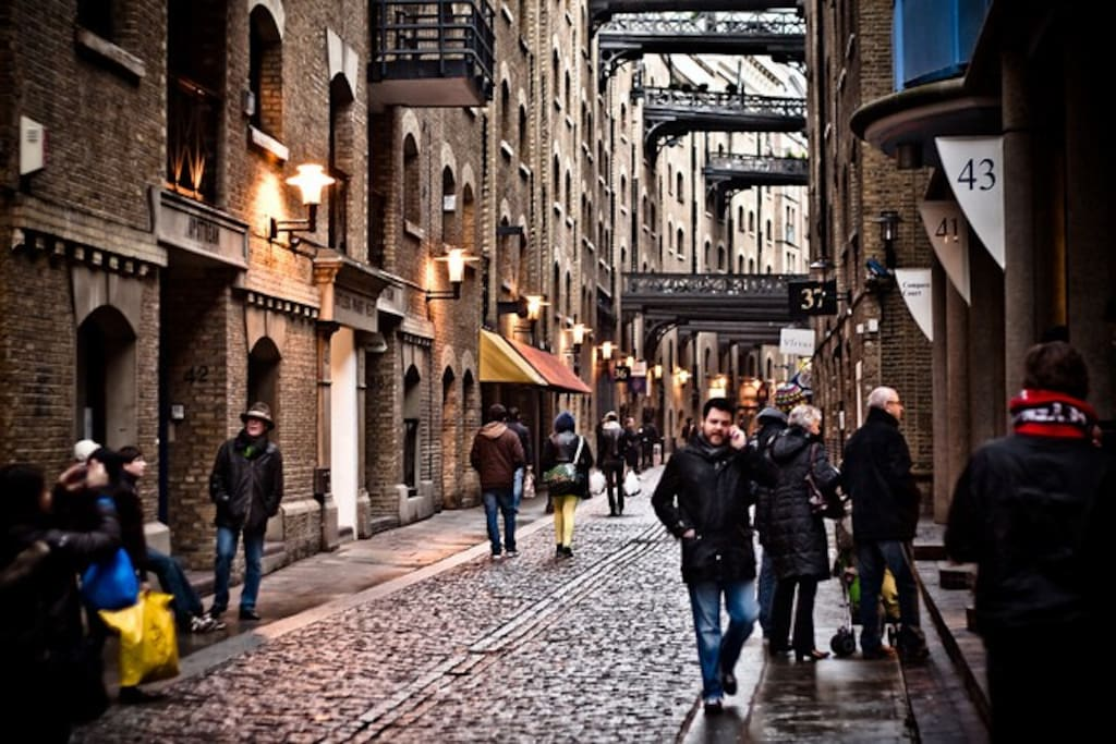 Shad Thames - world famous riverfront cobbled streets with lovely restaurants