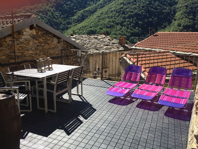 Casa di Farfalla - Rezzo - Rumah
