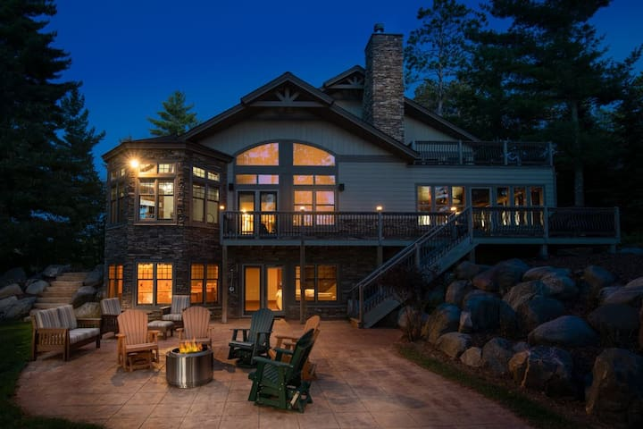 NEW! Stony Crest Cabin - Lakefront & Snowmobiling