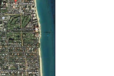 Swanky Palm Beach Condo walk 2 beac - Palm Beach - Kondominium