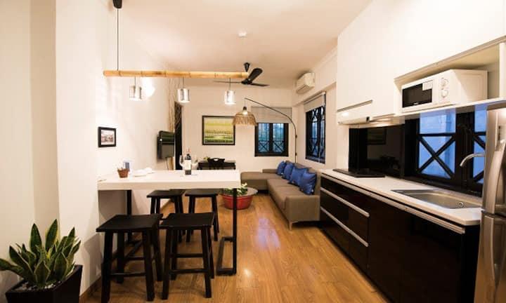 The cozy room near Hoan Kiem Lake, city center