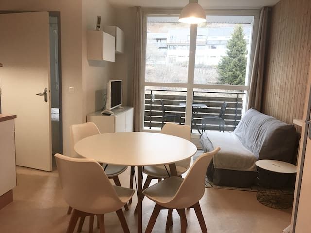 Appartement centre superbesse avec parking