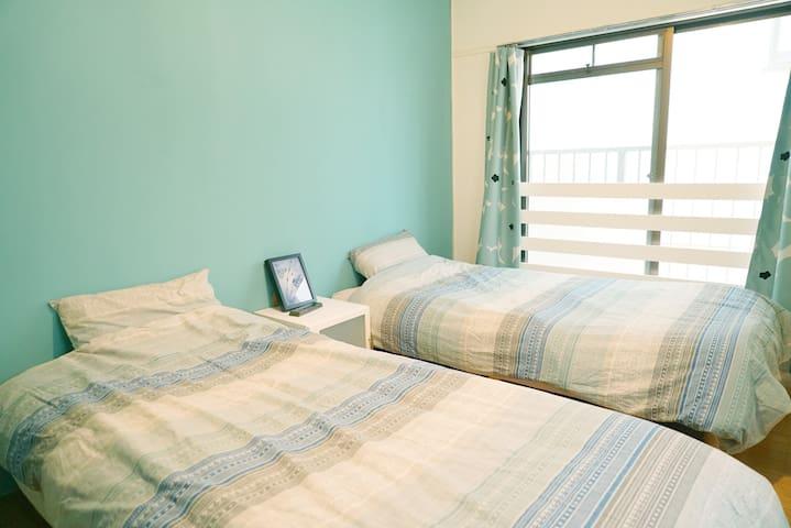 【Good Location】Eng OK! / Blue Lake Room: Long Stay