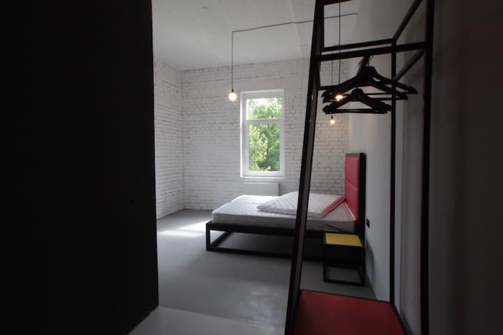 Студия у парка с ванной у окна /201 - Petergof - Hus