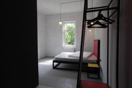 Студия у парка с ванной у окна /201 - Petergof