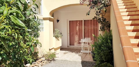 LOVELY APARTMENT WITH PRIVATE GARDEN