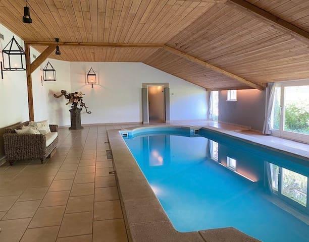 Prachtig landelijk buitenverblijf met zwembad