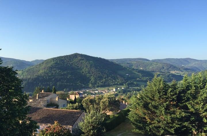 Studio meublé sur les monts d'Ardèche