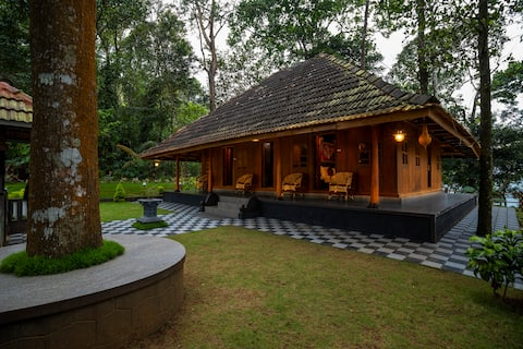 Traditional Kerala Woodhouse -Windhills Village