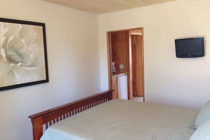 Merland Park Cottages by Elevate Rooms  - Minnow Motel-unit 14