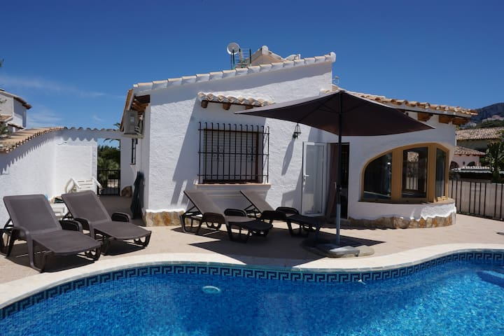 Villa MURIEL, with private pool and views