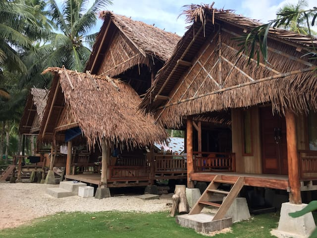 Bungalow for 4, Bagus Surf Camp, Mentawai Islands