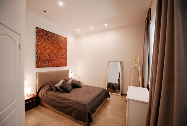 Modern designer flat in the city centre
