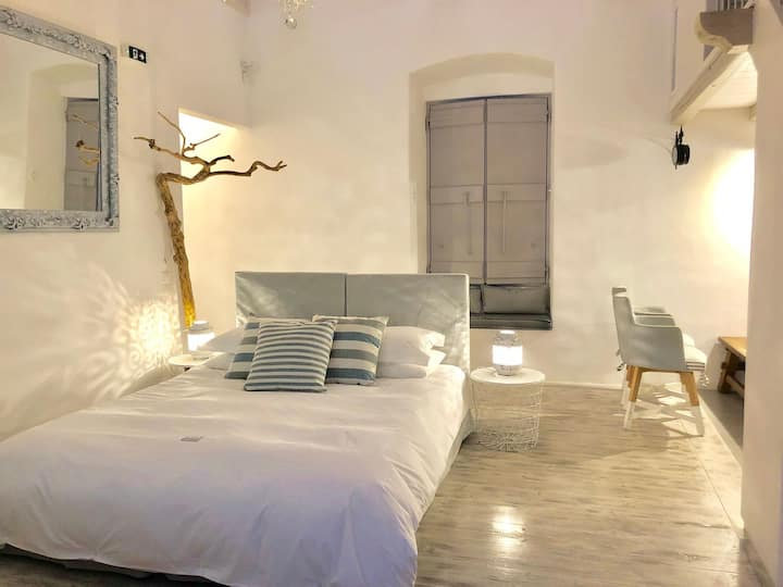 Casa Melenia | Executive Suite Ethra