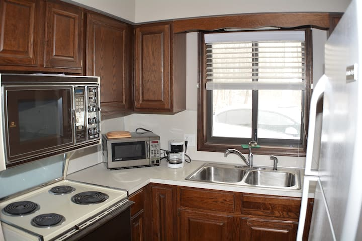 1 Bedroom Apt with Kitchen/FreeWIFI - Grand Haven - Apartment