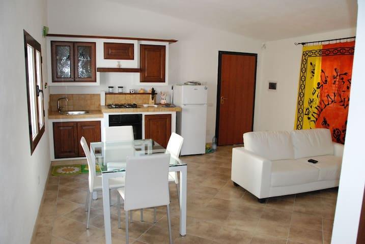 Trilocale in Villetta con giardino, 2 Matrimoniali - Olbia - Apartment
