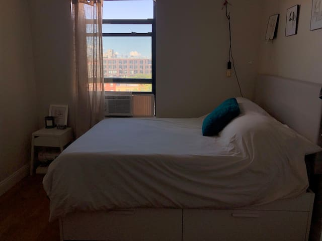 Private room in Williamsburg with amazing view!