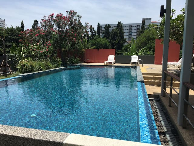 Angel Wings house near beach - Muang Pattaya - House