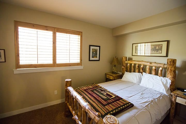 Upscale, Private Room & Bath Near Canyons Village. - Park City - Appartement