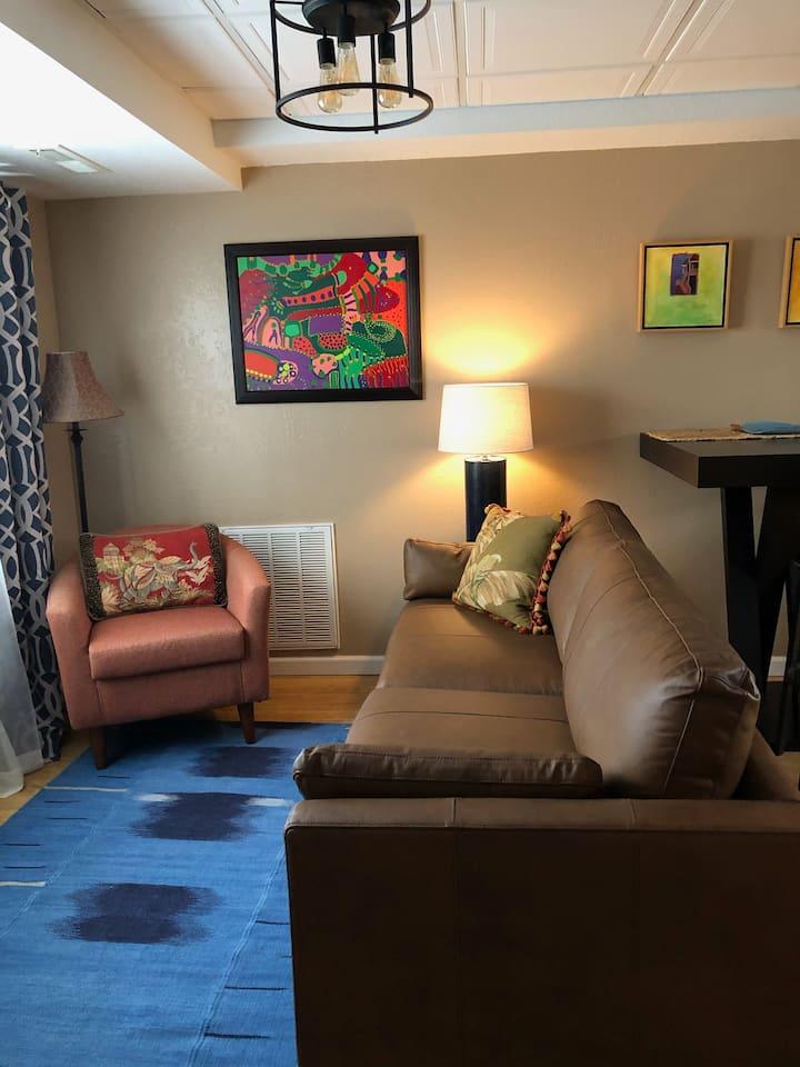 Cozy Downstairs Apartment near I-44/Hospitals