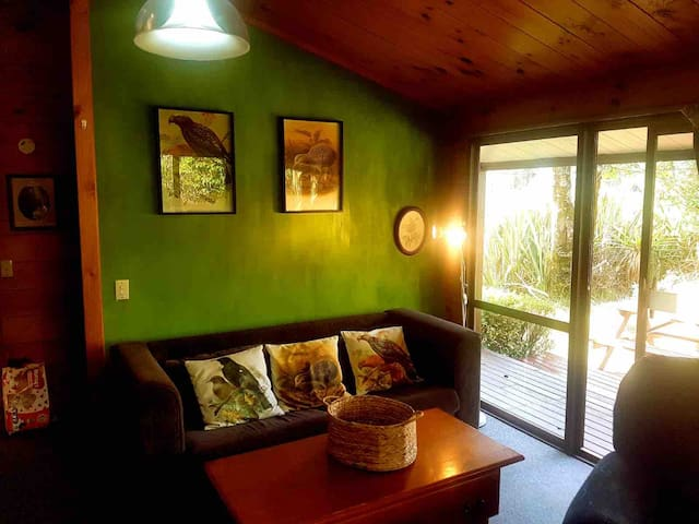 Cosy, quirky, relaxing, Ruapehu Alpine Retreat