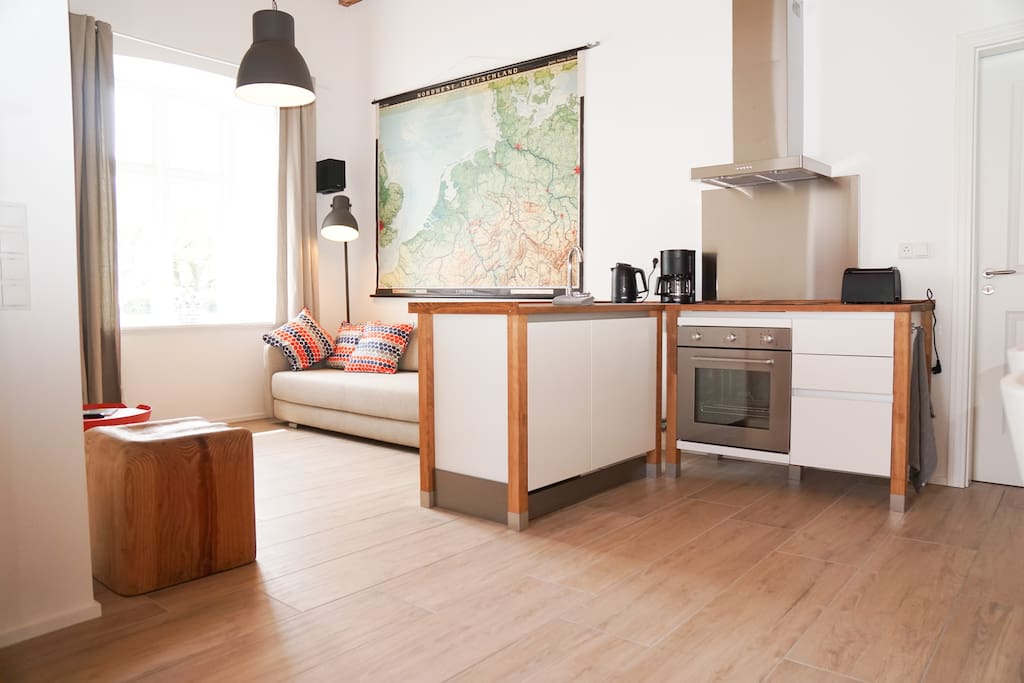 Helle großzügige Wohnküche