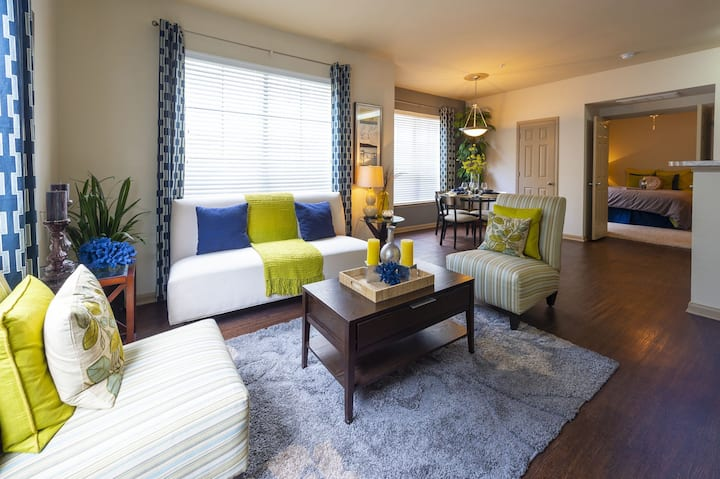 Clean, comfortable apartment | 2BR in Houston