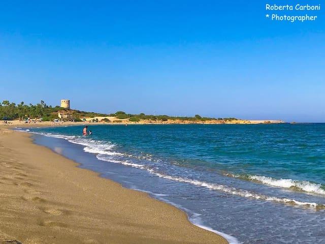 Spiaggia Prumari di Villaputzu con vista Torre Porto Corallo