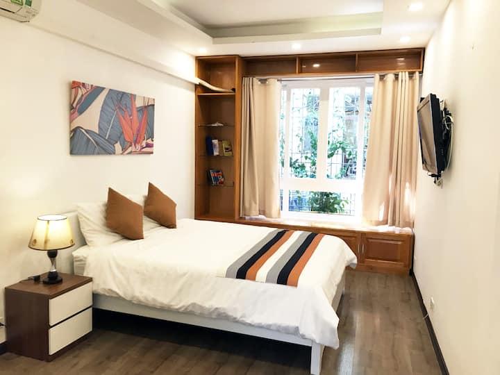 🌟 SALE 49% 🌟 CLEAN/CENTRAL/BIG BED wth Smart TV