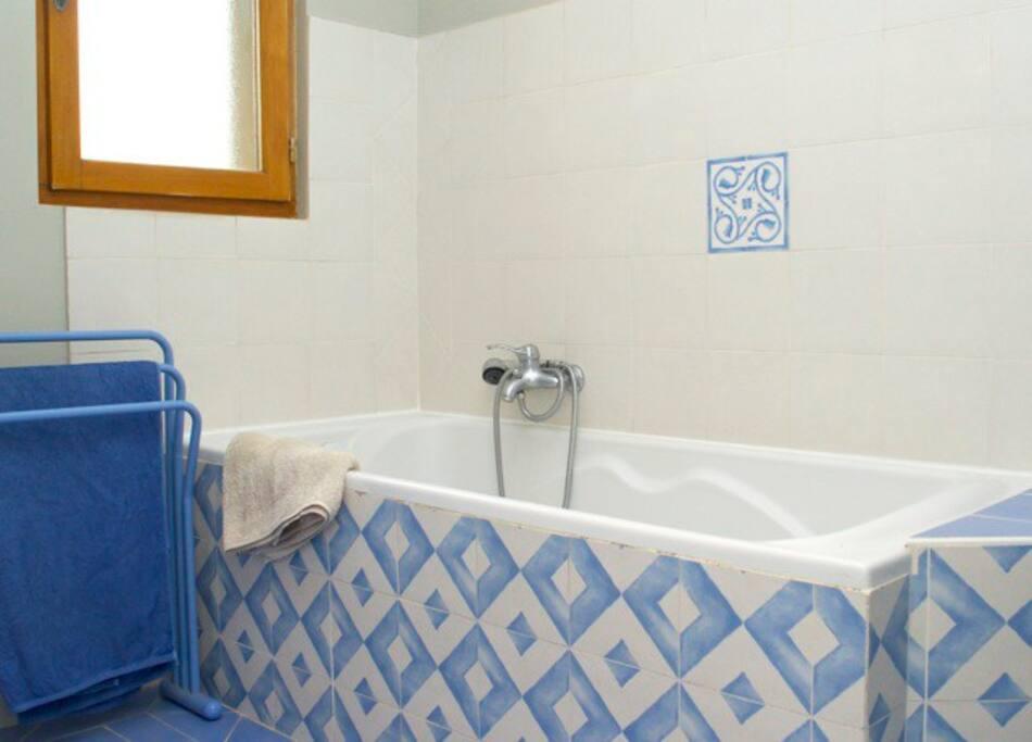 Quiet independant room maisons louer saint quentin for Fumer dans la salle de bain