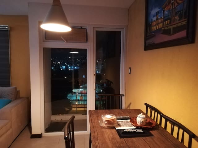 Comfy apartment Guatemala city near airport z12