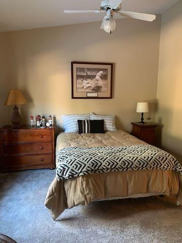 """""""Joe DiMaggio"""" Bedroom"""