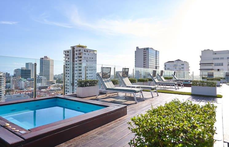 MODERN AND CLASSY 2BR* PIANTINI | *JACUZZI *