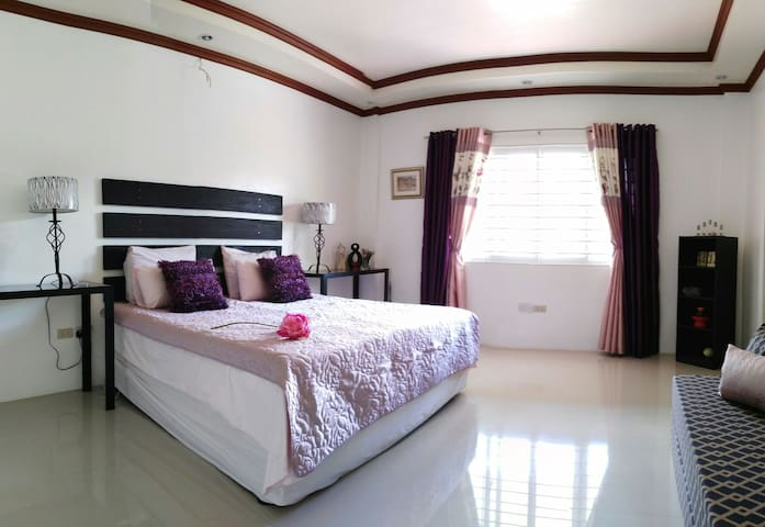 2 bedroom house with pool/ jacuzzi.