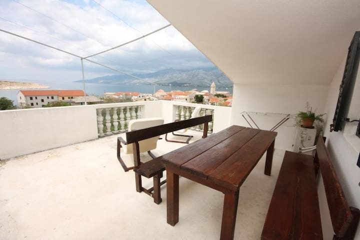 One bedroom apartment with terrace and sea view Vinjerac, Zadar (A-6187-e)