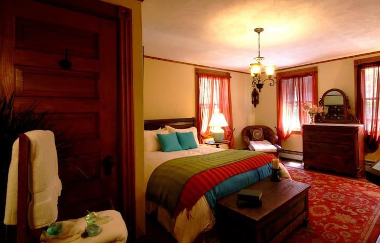 Summer House Santa Fe Room