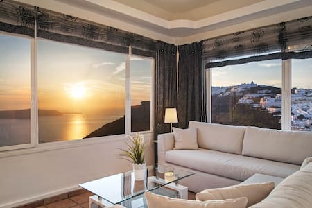 "Airth House ""Two Bedroom Apartment"" - Thira"