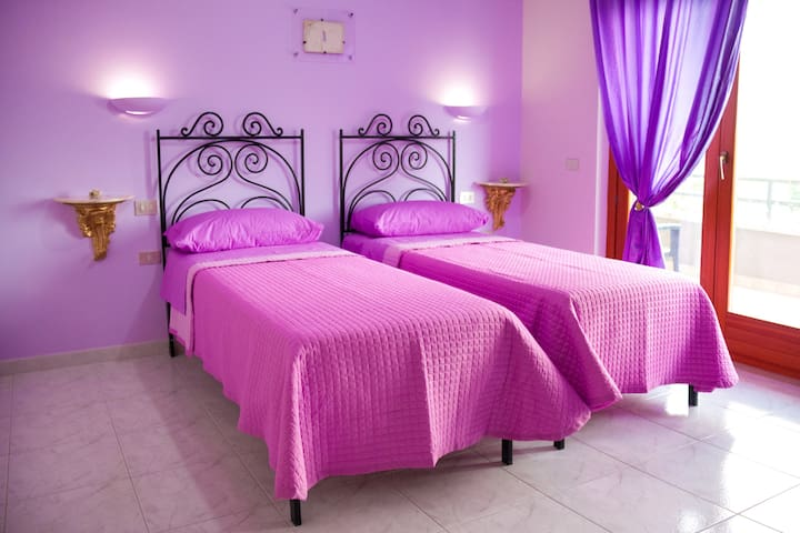 Arianna, elegante stanza con balcone in B&B - Benevento - Bed & Breakfast