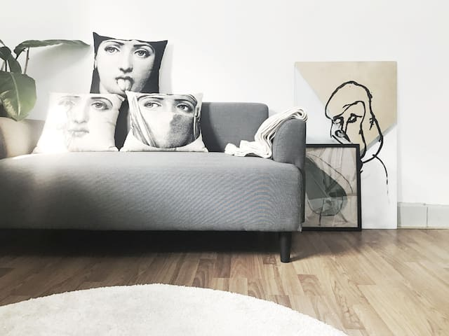 静安寺洋房/地铁2号线/天台美景设计之家artistic apartment heart of SH - Шанхай - Квартира