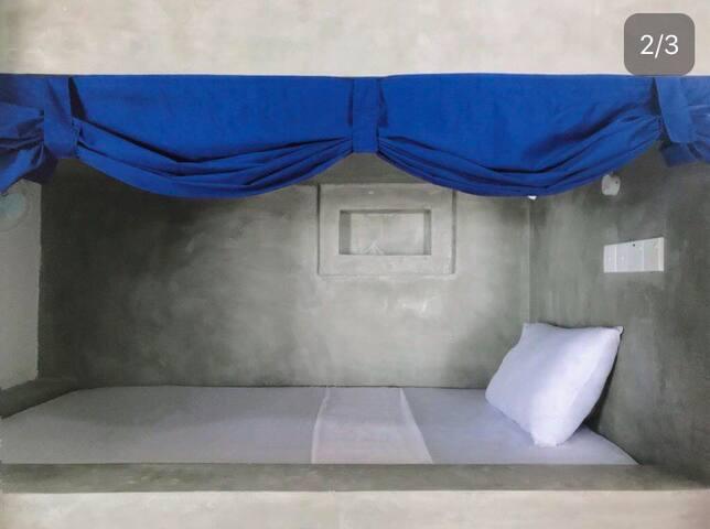 Lux Dorm bed w. Ocean view 5