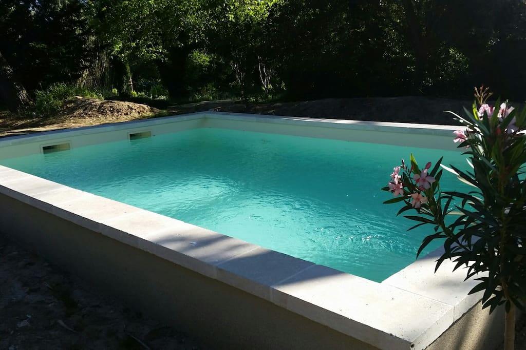 Bienvenue au pigeonnier piscine chauff e proche cv for Piscine romaine