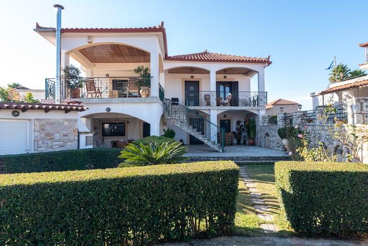 "Villa ""Karpofora View"""