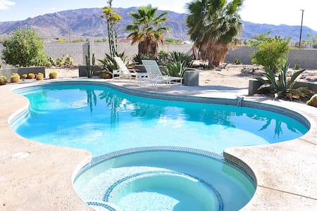 The Old Dale Compound Pool House - Twentynine Palms