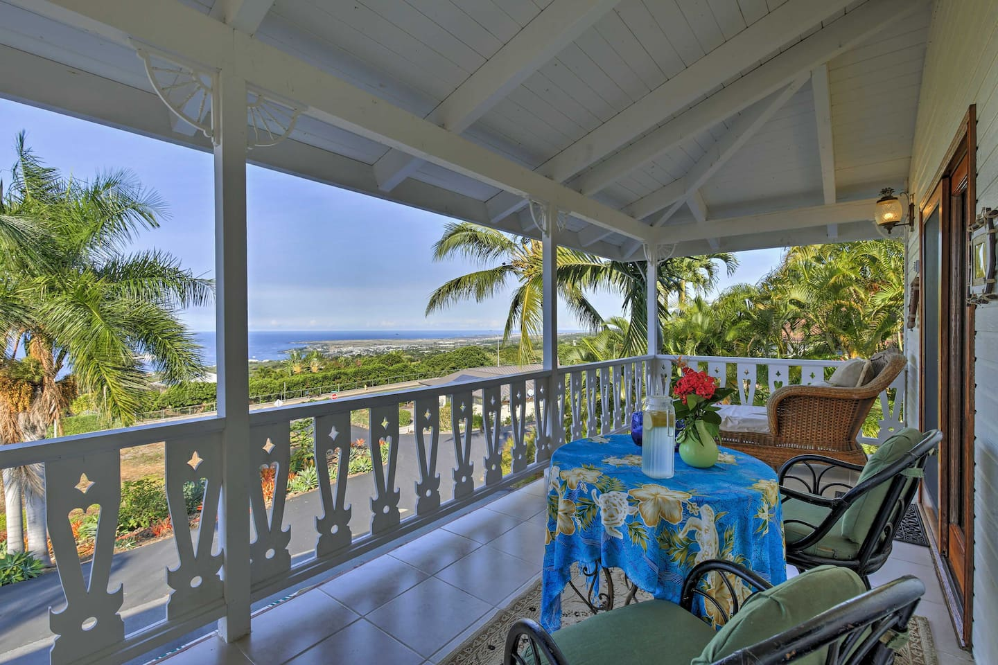 Elevate your island escape at this Kailua-Kona studio with views of the ocean.