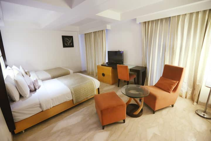 Luxury Stay- North Campus (Twin Bed) -New Delhi