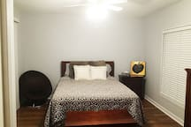 upper BR with queen size bed