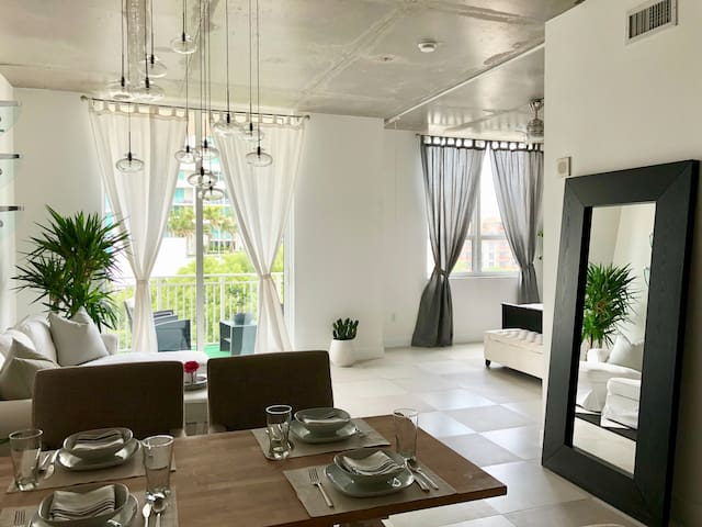 Spacious apartment by Wynwood and Midtown