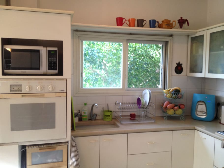equipped Kitchen with espresso machine, Microwave, Oven and fresh clean water machine