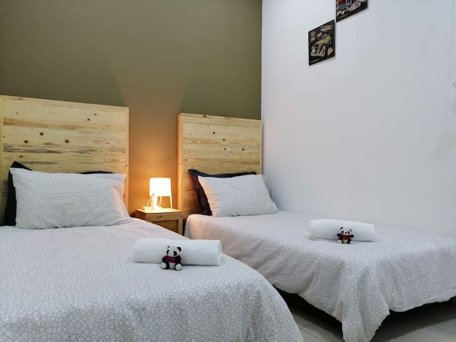 Third Room - 2 Single Bed