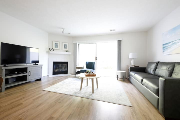 🌱 Contemporary Stylish 2BDR near Downtown Traverse City! - 106